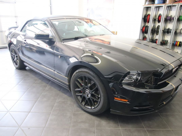 Autoradio und Car Hifi im Ford Mustang V Cabrio (bis 2014)